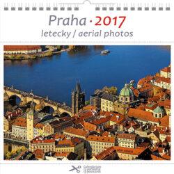 Praha - letecky / pohl. kal. na rok 2017-Kalendář je možno zavěsit na stěnu i postavit na stůl. Jednotlivé listy lze použít jako pohlednice.